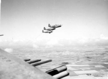 79th-FG-P-47s-in-flight.-Montie-Whittenberg-collection-via-Ron-Whittenberg