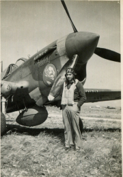 85th-FS-Milton-Clark-by-his-P-40F-named-Stormy-coded-X27.-Jacob-Schoellkopf-collection-via-Ian-Lyn