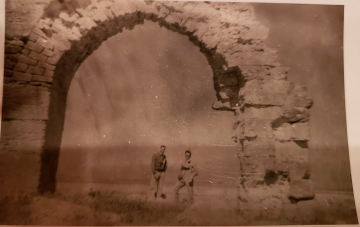 85th-FS-CO-Major-Schoellkopf-left-and-Samuel-Say-under-aqueduct-in-Tunisia.-Samuel-L.-Say-collection-via-family
