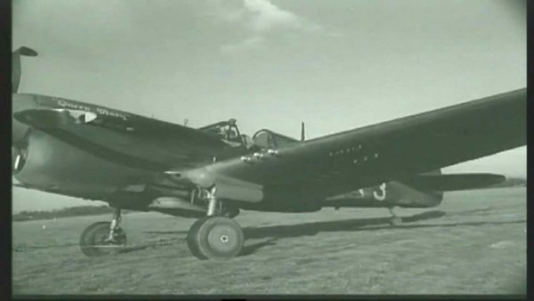 87th-FS-P-40-X83-named-Queen-Mary-at-Capodichino-Naples-Italy-in-January-1944.-Still-from-USAAF-film