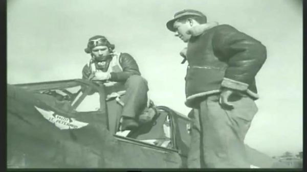 87th-FS-Walter-Peterman-in-the-cockpit-of-his-P-40-at-Capodichino-Naples-Italy-January-1944.-Still-from-USAAF-fild