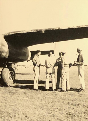 87th-FS-being-visited-by-General-Doolittle-at-Penny-Post-LG-Italy-Oct-1943.-Rocco-Loscalzo-collection-via-Frank-Loscalzo2