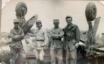 86th-FS-Horace-W.-Cumberland-China-1945-damaged-P-51.-Horace-Cumberland-collection-via-Claudia-Beckley