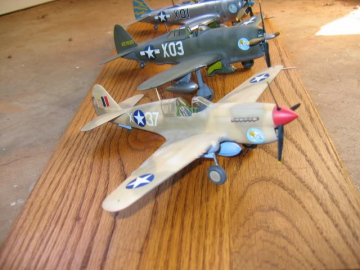 85th-FS-models-of-the-P-40-and-P-47s-flown-by-John-Martin.-Models-built-by-and-photos-from-James-Robbins-1